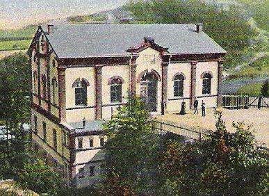 Am 4. Juni 1893 wurde die Turnhalle an der Ruine eingeweiht.