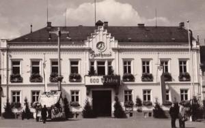 1954.-